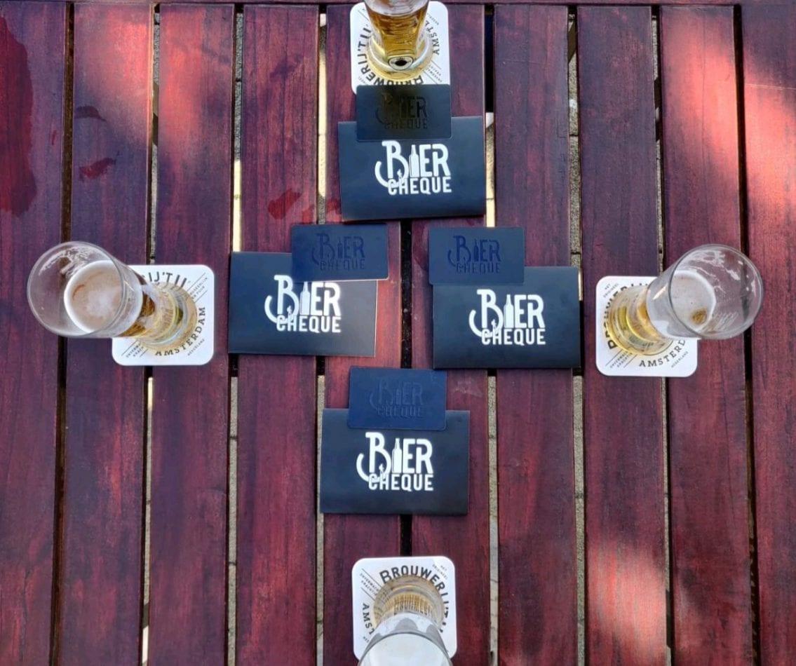 Bier op het terras in Nijkerk als personeelscadeau